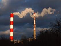 Δύο καπνοδόχοι Στοκ εικόνα με δικαίωμα ελεύθερης χρήσης