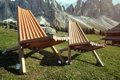 Δύο καρέκλες στα βουνά Στοκ Εικόνες