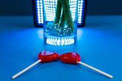 Δύο καρδιά-διαμορφωμένο Lollipops Στοκ Εικόνες