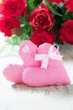 Δύο καρδιές για την ημέρα βαλεντίνων στοκ εικόνα με δικαίωμα ελεύθερης χρήσης