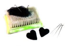 Δύο καρδιές φιαγμένες από μαλλί από την ξηρά πίληση, την πίληση βελόνων και το χαλί-β Στοκ εικόνες με δικαίωμα ελεύθερης χρήσης