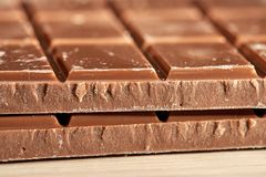 Δύο κεραμίδια της σκοτεινής σοκολάτας Στοκ Εικόνες