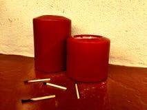 Δύο κεριά, μια φλόγα Στοκ φωτογραφία με δικαίωμα ελεύθερης χρήσης