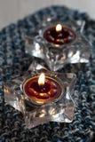 Δύο κεριά στο χαλί Στοκ φωτογραφίες με δικαίωμα ελεύθερης χρήσης