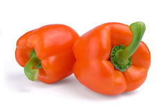 Δύο κόκκινα γλυκά πιπέρια που απομονώνονται στο άσπρο υπόβαθρο Στοκ εικόνες με δικαίωμα ελεύθερης χρήσης