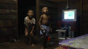 Δύο μικρά αγόρια απόθεμα βίντεο