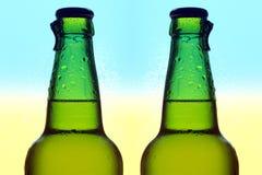 Δύο μπουκάλια γυαλιού της μπύρας Στοκ Φωτογραφία