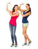 Δύο νέα φίλαθλα χαμογελώντας κορίτσια στοκ εικόνες με δικαίωμα ελεύθερης χρήσης