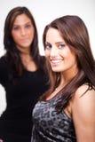 δύο νεολαίες γυναικών Στοκ Φωτογραφίες