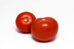Δύο νόστιμες κόκκινες ντομάτες Στοκ εικόνες με δικαίωμα ελεύθερης χρήσης