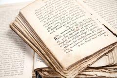 Δύο παλαιά βιβλία στοκ εικόνες