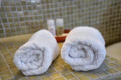 Δύο πετσέτες ξενοδοχείων Στοκ Φωτογραφία