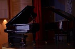 Δύο πιάνα στοκ εικόνα με δικαίωμα ελεύθερης χρήσης