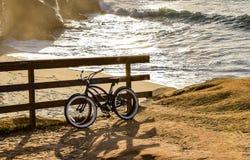 Δύο ποδήλατα θαλασσίως Στοκ Εικόνα