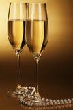 Δύο ποτήρια της σαμπάνιας στοκ φωτογραφίες με δικαίωμα ελεύθερης χρήσης