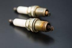 Δύο χρησιμοποιούμενα sparkplug Στοκ Εικόνες
