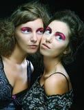 Δύο όμορφα λεπτά προκλητικά νέα κορίτσια Στοκ Εικόνα