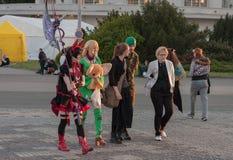 Δύο cosplayers έντυσαν ως χαρακτήρας Elin από το παιχνίδι Tera Στοκ φωτογραφία με δικαίωμα ελεύθερης χρήσης