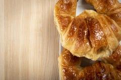 Δύο croissants για το πρόγευμα Στοκ φωτογραφίες με δικαίωμα ελεύθερης χρήσης