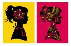 Δύο silhouttes του κοριτσιού με το σχέδιο λουλουδιών επίσης corel σύρετε το διάνυσμα απεικόνισης στοιχεία τέσσερα σχεδίου ανασκόπ Στοκ εικόνα με δικαίωμα ελεύθερης χρήσης