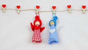 δύο teddy αντέχουν με την καρδιά στοκ φωτογραφία με δικαίωμα ελεύθερης χρήσης