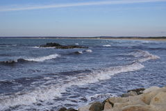 δύσκολη ακτή ακτών Στοκ εικόνα με δικαίωμα ελεύθερης χρήσης
