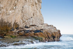 δύσκολη ακτή θάλασσας λ&io στοκ εικόνα με δικαίωμα ελεύθερης χρήσης