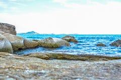 Δύσκολη παραλία ακτών στο νησί Samui, Ταϊλάνδη Στοκ φωτογραφίες με δικαίωμα ελεύθερης χρήσης