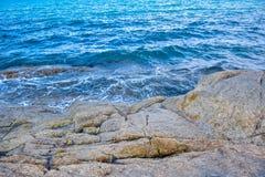 Δύσκολη παραλία ακτών στο νησί Samui, Ταϊλάνδη Στοκ Εικόνες