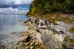 Δύσκολοι τοίχοι απότομων βράχων του πάρκου σημείου σπηλιών, κομητεία πορτών στοκ φωτογραφίες με δικαίωμα ελεύθερης χρήσης