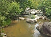 Δύσκολος ευρύς ποταμός στοκ εικόνες