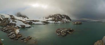 Δύσκολος κόλπος στο Βορρά του spitsbergen Στοκ φωτογραφία με δικαίωμα ελεύθερης χρήσης