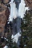 Δύσκολος παγωμένος βουνό καταρράκτης του Κολοράντο στοκ εικόνα