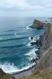Δύσκολα ακτή & x28 του θερινού Ατλαντικού Ωκεανού Αλγκάρβε, Portugal& x29  Στοκ Φωτογραφίες