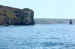 Δύσκολα ακτή & x28 του θερινού Ατλαντικού Ωκεανού Αλγκάρβε, Portugal& x29  Στοκ εικόνα με δικαίωμα ελεύθερης χρήσης