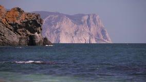 Δύσκολη ακτή του ακρωτηρίου Kaliakra, Βάρνα, Βουλγαρία Μαύρης Θάλασσας απόθεμα βίντεο