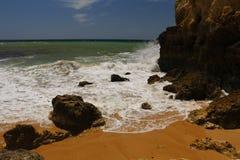 Δύσκολη αμμώδης παραλία στοκ εικόνες