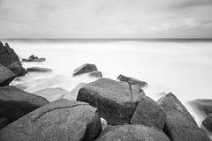 Δύσκολη μακροχρόνια έκθεση ακτών, Mahe, Σεϋχέλλες Στοκ φωτογραφία με δικαίωμα ελεύθερης χρήσης