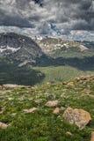 Δύσκολο αλπικό λιβάδι στο δύσκολο εθνικό πάρκο βουνών, κοβάλτιο Στοκ φωτογραφίες με δικαίωμα ελεύθερης χρήσης