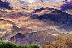 Δύσκολο τοπίο Ladakh, του φωτός και της σκιάς, Jammu Κασμίρ, Leh, Ινδία Στοκ εικόνες με δικαίωμα ελεύθερης χρήσης