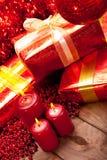 δώρα διακοσμήσεων Χριστ&omic Στοκ φωτογραφία με δικαίωμα ελεύθερης χρήσης
