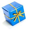 Δώρα: Μικροσκοπικό μπλε τυλιγμένο δώρο Hanukkah Στοκ Εικόνα