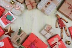 Δώρα Χριστουγέννων με το διάστημα αντιγράφων Στοκ Εικόνα