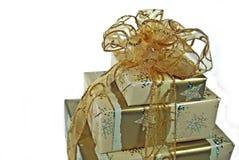 δώρα χρυσά στοκ φωτογραφία με δικαίωμα ελεύθερης χρήσης
