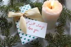 Δώρο για Valentine& x27 ημέρα του s Στοκ φωτογραφία με δικαίωμα ελεύθερης χρήσης