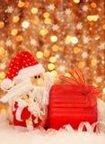 Δώρο Χριστουγέννων από Santa Στοκ φωτογραφία με δικαίωμα ελεύθερης χρήσης