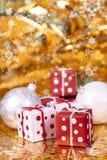 δώρο Χριστουγέννων μπιχλι στοκ φωτογραφίες με δικαίωμα ελεύθερης χρήσης