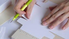 Δώρων χειροποίητος diy συνελεύσεων κιβωτίων χειρωνακτικός απόθεμα βίντεο