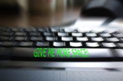δώστε με πληκτρολογεί π&eps Στοκ εικόνες με δικαίωμα ελεύθερης χρήσης