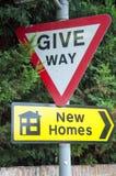 Δώστε τόπο, νέα σπίτια Στοκ Φωτογραφίες